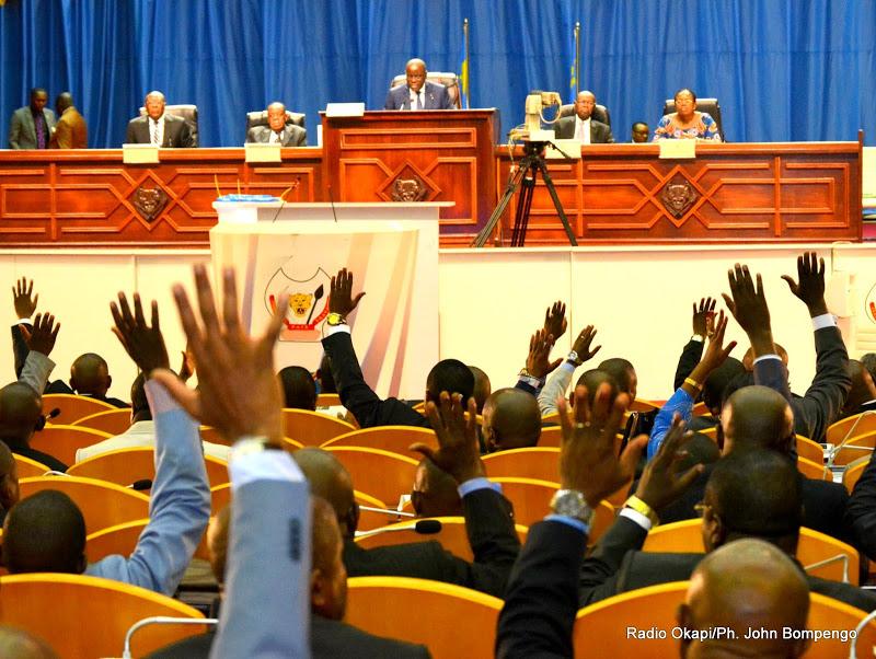 La société civile du Congo débute la récolte des signatures pour exiger la dissolution du parlement