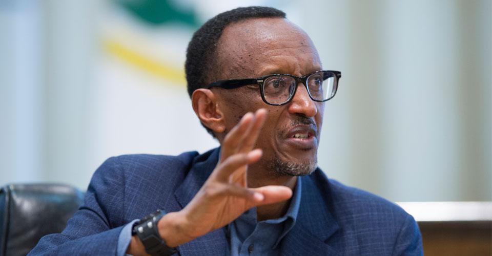 UN ENNEMI DU CONGO NOMMÉ PAUL KAGAME, MAÎTRE AUTORITAIRE DU RÉGIME HÉGÉMONISTE ET EXPANSIONNISTE TUTSI A KIGALI, CRIMINEL (CONTRE)GÉNOCIDAIRE DES RWANDAIS ET CONGOLAIS ENCORE NON RECONNU PAR LA CI ! JUSQUE QUAND ? Kagame-mo